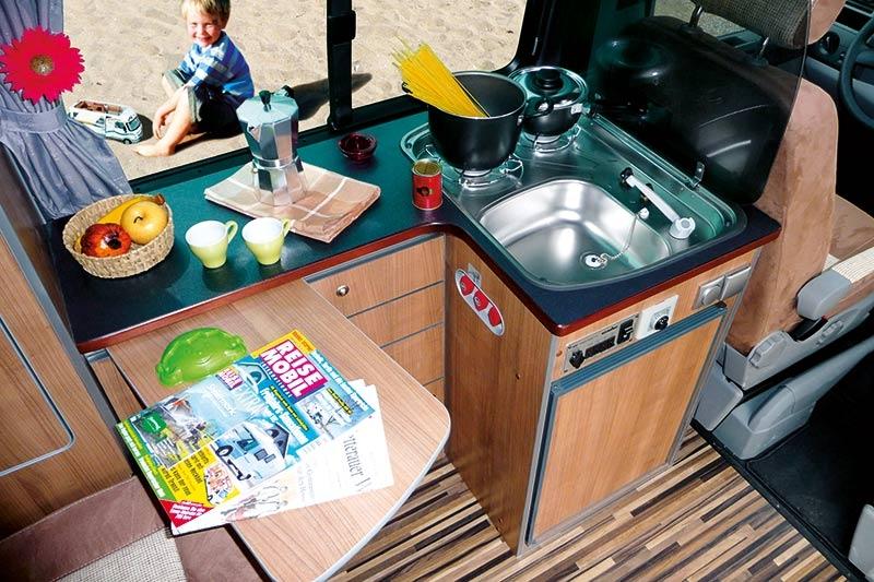 campingbus-vw-t5-travelstyle_04_xxl
